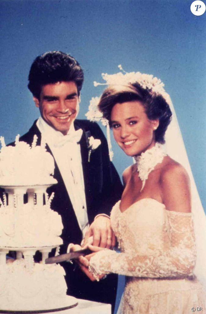 Joe Perkins Et Kelly Capwell Dans Santa Barbara