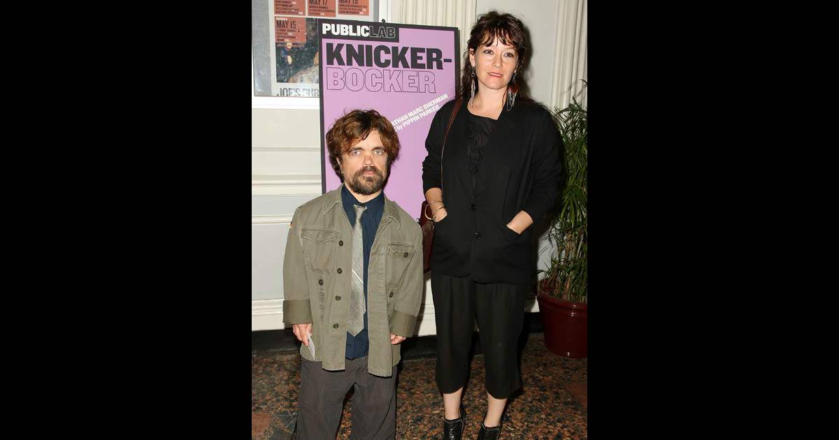peter dinklage acteur de petite taille attend son premier enfant purepeople. Black Bedroom Furniture Sets. Home Design Ideas