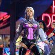 Britney Spears aux American Music Awards 2003, après un changement de style radical.