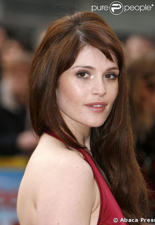 Gemma Arterton La James Bond Girl Est Née Malformée Purepeople