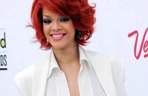 Rihanna chute sur scène lors d'un concert !