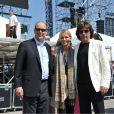 """""""Le prince Albert et sa fiancée Charlene Wittstock découvraient mardi 28 juin 2011 l'installation scénique du port Hercule pour le show de Jean-Michel Jarre, en compagnie de l'intéressé. Sous un soleil radieux. Quelques heures plus tard, un orage venait menacer le mariage..."""""""
