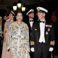 La princesse Lalla Meryem du Maroc avec le prince Frederik de Danemark sur le tapis rouge du dîner en l'honneur des jeunes mariés Albert et Charlène sur la terrasse éphémère du Casino de Monte-Carlo.   Après le festival des têtes couronnées sur le tapis rouge du Palais princier, le prince Albert et la princesse Charlene étaient gratifiés par leurs convives royaux d'un véritable feu d'artifice d'élégance pour le dîner donné sur les terrasses du Casino de Monte-Carlo, le 2 juillet 2011 au soir.