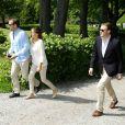 Jonas Bergström, ex-fiancé volage de la princesse Madeleine de Suède,    s'affichait avec sa nouvelle compagne lors d'un mariage en Suède le 5    juin 2011. Il s'agit de Stephanie af Klercker, ex-amie proche de    Madeleine et ex-compagne d'un ami d'enfance de Jonas. Ben voyons...