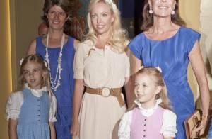 Caroline de Hanovre plonge avec trois princesses blondes dans les fastes d'antan