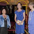 Guidée par la commissaire de l'événement et son assistante, la princesse Caroline de Hanovre inaugurait le 10 juillet 2011, au Forum Grimaldi à Monaco, l'exposition  Magnificence et grandeur des maisons royales  recensant plus de 600 objets retraçant trois siècles d'histoire des royautés européennes.