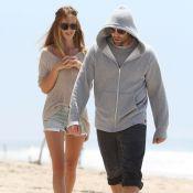 Jason Statham et Rosie Huntington-Whiteley : Balade en amoureux sur la plage