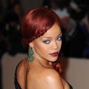 Rihanna chasse Megan Fox et dévoile ses dessous pour Armani