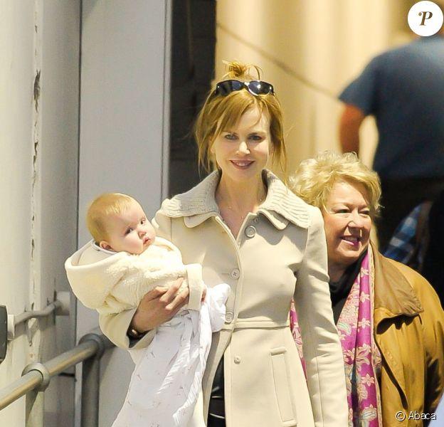 Nicole Kidman et ses filles Sunday Rose et Faith Margaret, le 28 juin à l'aéroport de Sydney