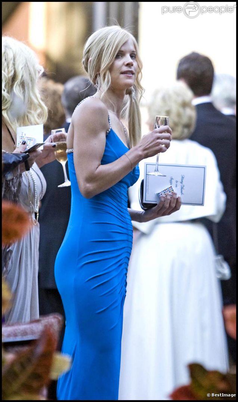 Elin Nordegren a retrouvé l'amour auprès de Jamie Dingman, mais la presse a découvert que celui-ci eut autrefois une relation avec Rachel Uchitel, qui le trompa avec Tiger Woods, mari d'Elin !