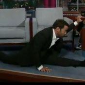 Jeremy Piven d'Entourage, se lance dans un numéro de gymnaste épatant