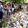 A Camden Square, devant l'appartement d'Amy Winehouse le 25 juillet 2011, les témoignages de chagrin se multiplient.