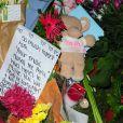 Hommages devant l'appartement d'Amy Winehouse