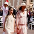 Caroline de Monaco et sa fille Alexandra, à Monaco, le 2 juillet 2011.