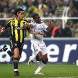 Önder Turaci en avril 2008, lors d'un quart de finale de Ligue des Champions avec Fenerbahçe face au Chelsea de Florent Malouda.   Seulement 4 mois après son mariage avec le footballeur Önder Turaci, la Miss Bruxelles Ayse Ozdemir, 19 ans, demande le divorce et raconte avoir été battu par son compagnon.