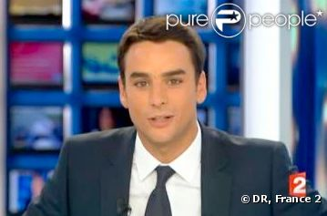 Julian Bugier anime désormais le journal de 20 heures de France 2 en l'absence de Laurent Delahousse.