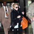Un legging, un gros Birkin d'Hermès et des mocassins Topshop : Lindsay Lohan fait dans le confort et l'utile. Aéroport JFK de New York, le 6 avril 2011.