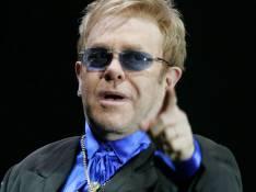 Elton John accepte un concert privé pour 5,2 millions de dollars...