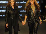 Beyoncé, enceinte, défile sur le podium main dans la main avec sa maman
