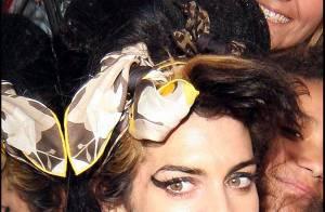 PHOTOS : Amy Winehouse : elle tire la langue à la... tristesse!