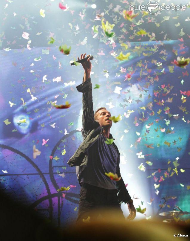 Chris Martin de Coldplay à Glastonbury en juin 2011