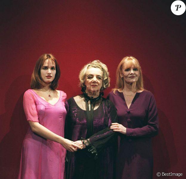 Judith Godrèche et Denise Gence en 1996 dans Trois Femmes Grandes.