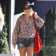 Maman modèle, Nicole Richie est stylée dans n'importe quelle situation : à la sortie de la gym, ou pour aller faire ses courses. Los Angeles, le 28 septembre 2011.