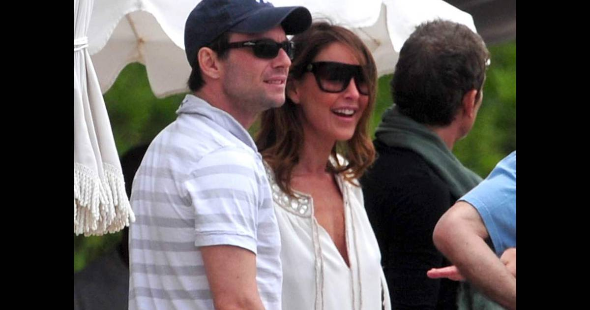 slater divorced singles Check out more about kelly slater wiki, married, wife or girlfriend, daughter and net worth kelly slater was born to his parents judy moriarity and stephen slater.