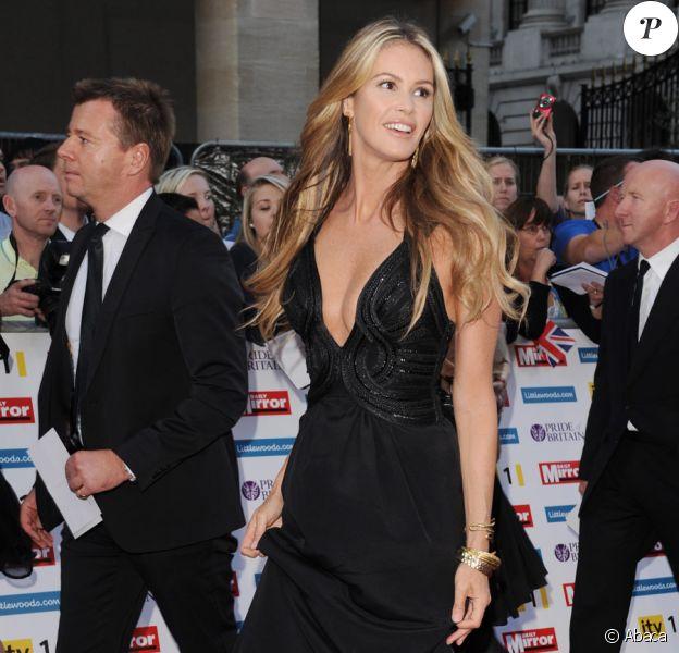 Elle Macpherson lors de la soirée Pride of Britain Awards à Londres le 3 octobre 2011