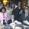 Cécilia Attias et son fils Louis Sarkozy lors du mariage de Jeanne-Marie en mai 2008.