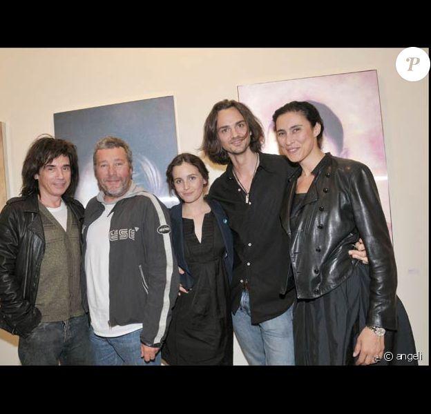 Jean-Michel Jarre, Philippe Starck, Ara, David et Yasmine à l'exposition d'Ara Starck