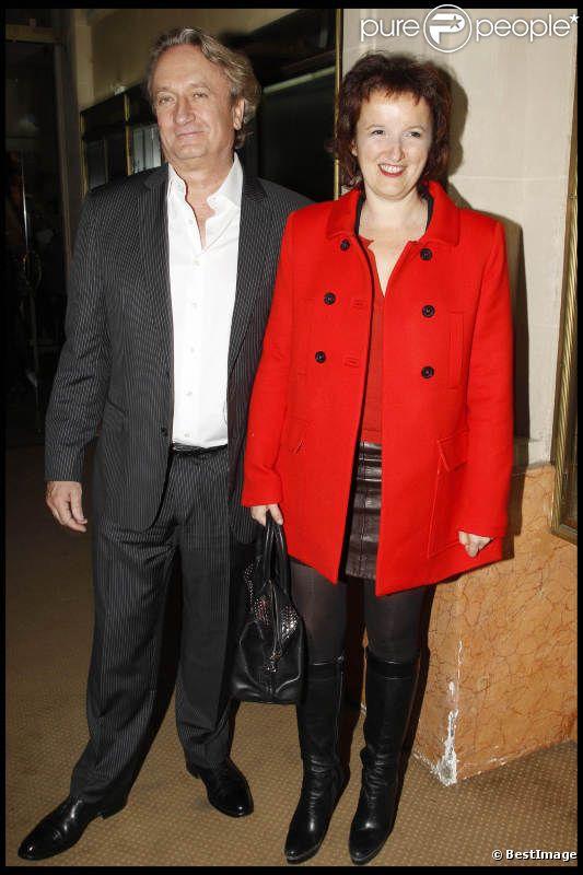 Anne Roumanoff et son mari lors de la générale du On Alone Man Show de Pascal Légitimus au Palace à Paris le 17 octobre 2011