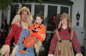 Alyson Hannigan en famille : deux épouvantails et leur adorable citrouille