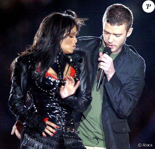 Janet Jackson et Justin Timberlake à la finale du Super Bowl, à Houston (Texas), le 1er février 2004.