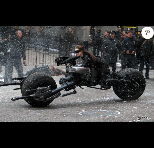 Anne Hathaway sur le tournage de Dark Knight Rises le 6 novembre à New York.