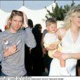 Courtney Love et Kurt Cobain, avec leur fille Frances Bean Cobain en 1993