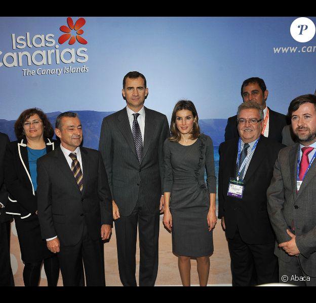 La sublime Letizia d'Espagne et Felipe d'Espagne visitent World Trade Market à Londres, le 7 novembre 2011