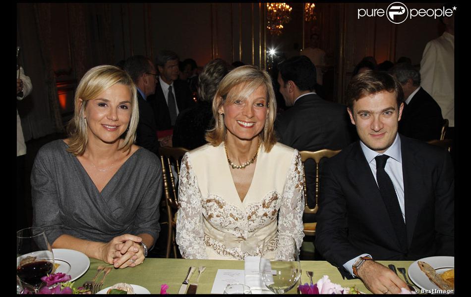Laurence ferrari et son mari entourent la talentueuse pianiste h l ne mercier arnault l - Helene darroze et son mari ...