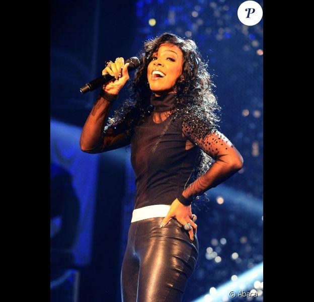 Kelly Rowland se rend sur le plateau du Graham Norton Show, à Londres, le vendredi 12 novembre 2011.