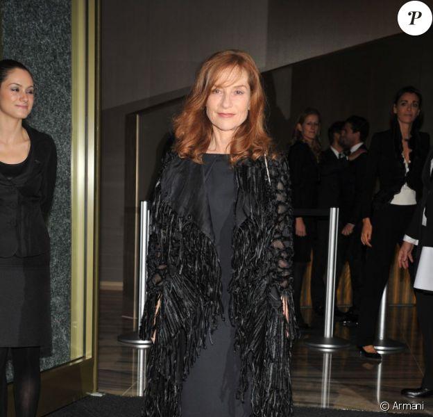 Isabelle Huppert lors de l'ouverture de l'hôtel Armani à Milan le 10 novembre 2011