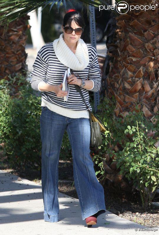Selma Blair à Los Angeles, le 2 décembre 2011