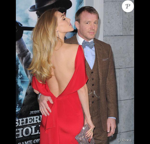 Guy Ritchie et Jacqui Ainsley à l'avant-première de Sherlock Holmes 2, à Los Angeles le 6 décembre 2011.