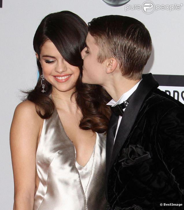 Justin Bieber et Selena Gomez le 20 novembre 2011 à Los Angeles