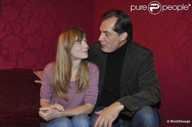 Isabelle Carré et Samuel Labarthe lors de la conférence de presse de la pièce Pensées Secrètes, jouée au Théâtre Montparnasse dès le 19 janvier 2011.