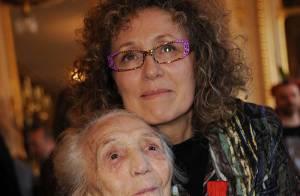 Mireille Dumas : un come-back et une belle médaille devant sa maman émue
