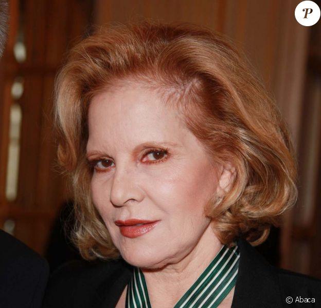 Sylvie Vartan honorée par la République, au ministère de la Culture, le 14 décembre 2011.