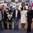 Lara Fabian, Gérard Pullicino, Bernard Montiel, Adeline Blondieu, Anne Jousse, directrice générale du groupe hôtelier Bessé Signature, et Jennifer Boccara, directrice de l'hôtel de Sers, pour la remise du Prix de l'hôtel de Sers, à Paris, le 14 décembre 2011.