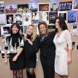 Lara Fabian, Adeline Blondieu, Anne Jousse, directrice générale du groupe hôtelier Bessé Signature, et Jennifer Boccara, directrice de l'hôtel de Sers, pour la remise du Prix de l'hôtel de Sers, à Paris, le 14 décembre 2011.