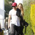 Ryan Phillippe et sa nouvelle petite amie vont prendre un petit-déjeuner dans le quartier de West Hollywood le 22 décembre 2011 à Los Angeles