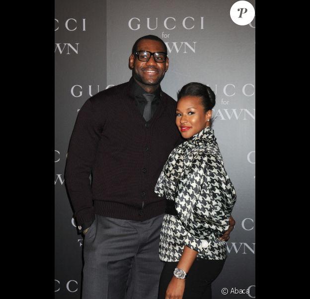 LeBron James et sa compagne Savannah Brinson le 17 septembre 2009 à New York